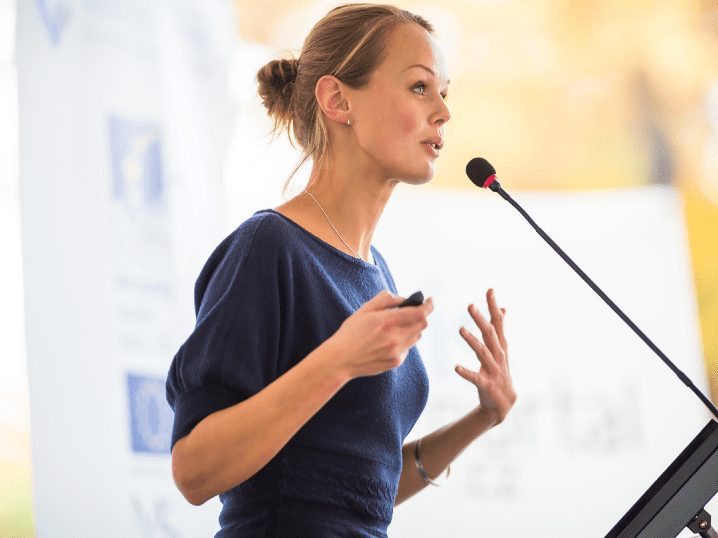 Natural HR 2018 Conference speaker projecting her top key HR trends in 2019